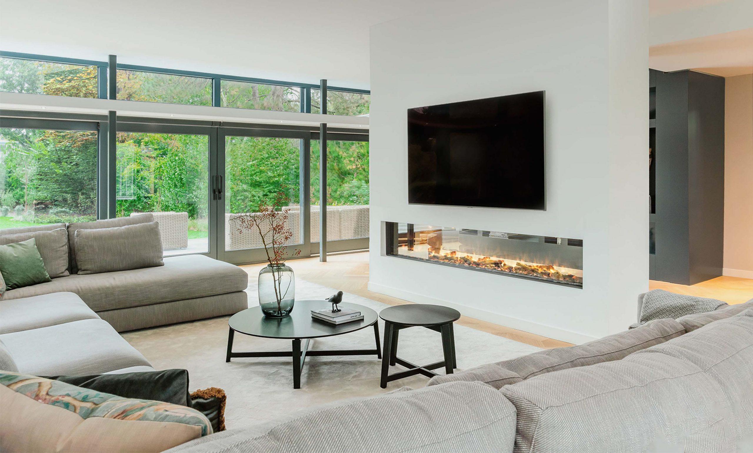 deze woonkamer inspiratie met gashaard zorgt voorgezelligheid