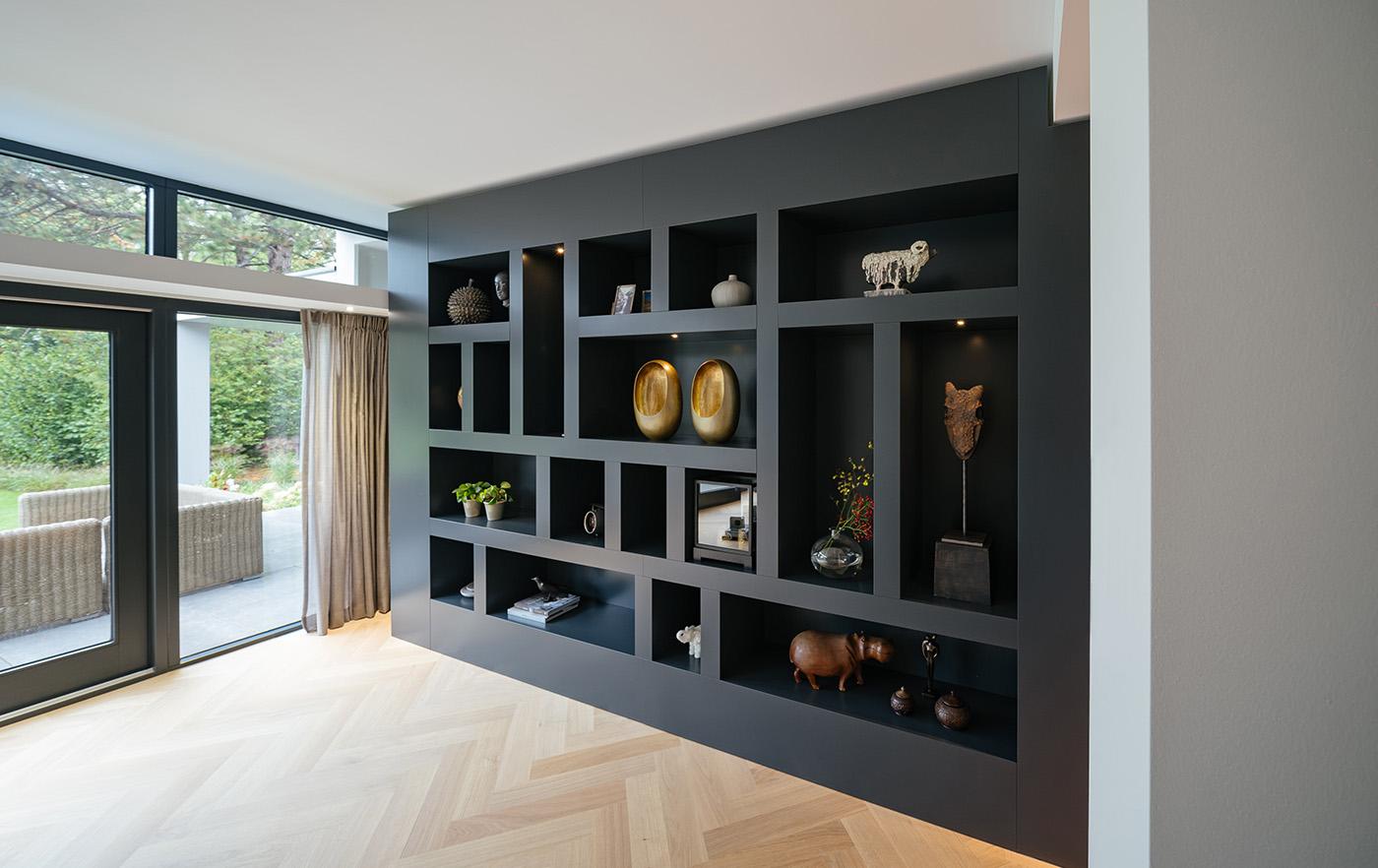 Wij zouden iedereen de interieur tip geven om met een vakkenkast van herinneringen te maken om zo woonkamer inspiratie te maken